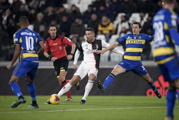 Ronaldo gây sốt với bức ảnh khoe body cực phẩm cùng thần thái chất lừ: Thế là đấng mày râu Việt có mục tiêu phấn đấu trước cái Tết đầy bánh chưng rồi - Ảnh 2.