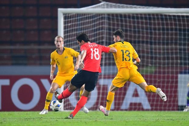 U23 Australia 0-2 U23 Hàn Quốc: Siêu dự bị tỏa sáng, dàn hot boy xứ sở kim chi dễ dàng giành vé vào chung kết - Ảnh 11.