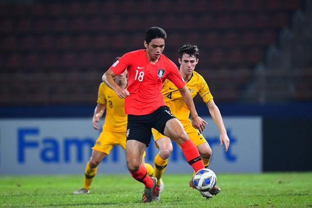 U23 Australia 0-2 U23 Hàn Quốc: Siêu dự bị tỏa sáng, dàn hot boy xứ sở kim chi dễ dàng giành vé vào chung kết - Ảnh 10.