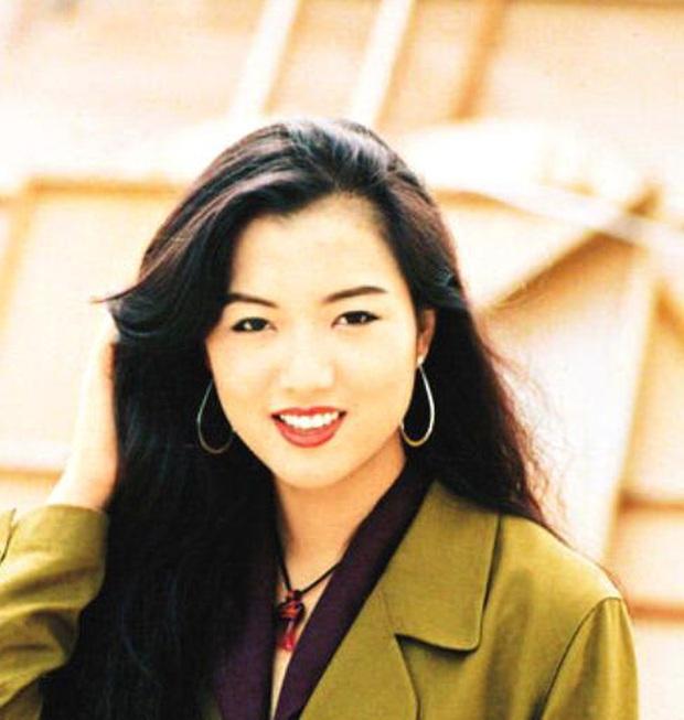 Dàn người đẹp tuổi Tý của Cbiz: Hết đệ nhất mỹ nhân Hong Kong lại đến thánh hack tuổi, nhưng tình duyên sao thế này? - Ảnh 6.