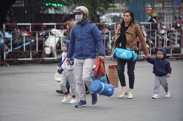 Sài Gòn ùn tắc khắp các ngả đường, Hà Nội vắng vẻ do người dân tranh thủ về quê ăn Tết từ trước - Ảnh 34.
