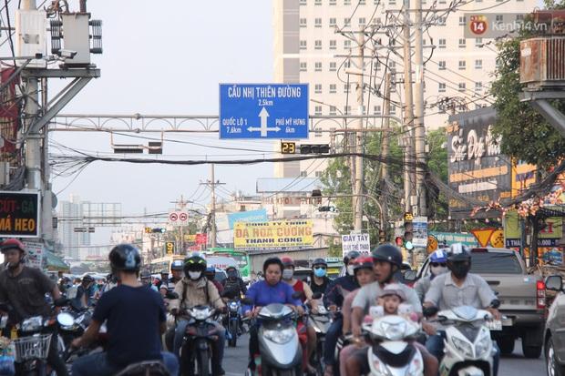 Sài Gòn ùn tắc khắp các ngả đường, Hà Nội vắng vẻ do người dân tranh thủ về quê ăn Tết từ trước - Ảnh 24.