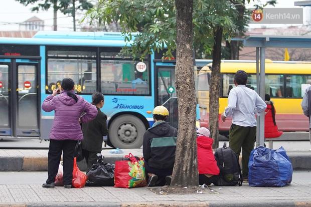 Sài Gòn ùn tắc khắp các ngả đường, Hà Nội vắng vẻ do người dân tranh thủ về quê ăn Tết từ trước - Ảnh 41.