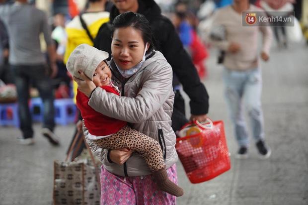 Sài Gòn ùn tắc khắp các ngả đường, Hà Nội vắng vẻ do người dân tranh thủ về quê ăn Tết từ trước - Ảnh 37.