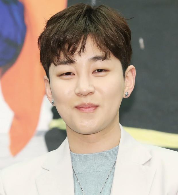 Rapper DinDin tiết lộ con người thật của Song Joong Ki khi ở trong quân đội - Ảnh 1.