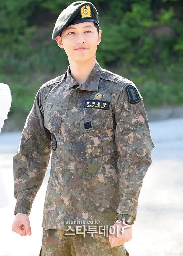 Rapper DinDin tiết lộ con người thật của Song Joong Ki khi ở trong quân đội - Ảnh 2.