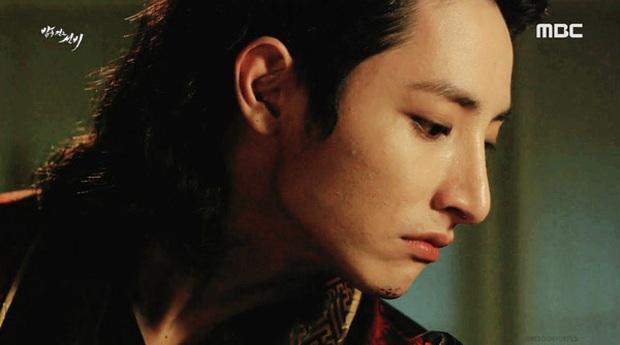 Ma cà rồng Lee Soo Hyuk dắt trai trẻ Jang Ki Yong tái xuất phim mới: Trinh thám giật gân hay đam mỹ trá hình? - Ảnh 6.