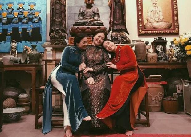 Nhan sắc chấn động 3 chị em HOT nhất Vbiz những năm 90: Lê Khanh tái xuất cực đỉnh, Lê Vân, Lê Vi ở ẩn vẫn gây nhớ nhung - Ảnh 1.