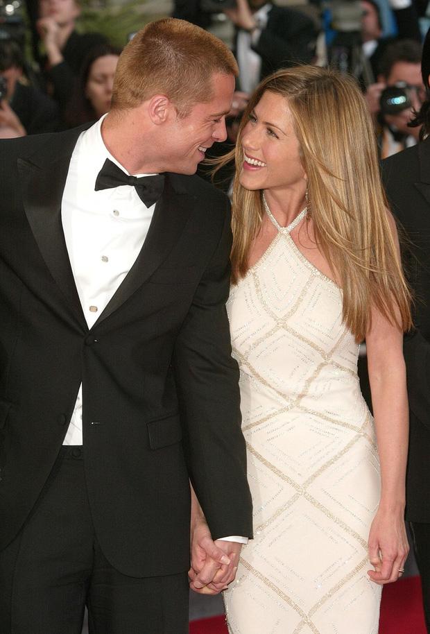 Bản đồ quan hệ Brad Pitt - Jennifer Aniston: Cặp đôi cả thế giới ghen tị kết thúc vì lùm xùm ngoại tình, sau 15 năm gặp lại ánh mắt vẫn như xưa - Ảnh 7.