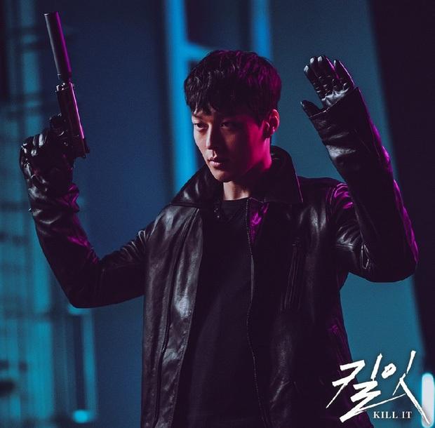 Ma cà rồng Lee Soo Hyuk dắt trai trẻ Jang Ki Yong tái xuất phim mới: Trinh thám giật gân hay đam mỹ trá hình? - Ảnh 5.