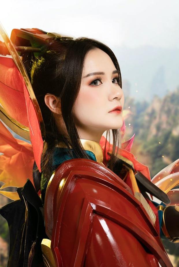 Liên Quân Mobile: Trang phục Tết Canh Tý Butterfly Phượng Cửu Thiên có bộ cosplay xinh đẹp tựa thiên thần, ngắm mãi chẳng chán! - Ảnh 4.