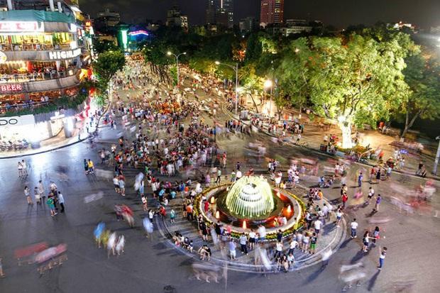 Không tổ chức phố đi bộ hồ Hoàn Kiếm dịp Tết Canh tý - Ảnh 1.