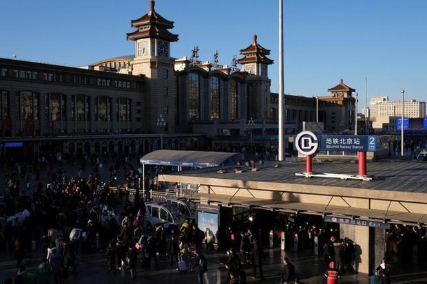 Ký ức kinh hoàng ập về, người Trung Quốc sợ hãi tột độ: 440 ca nhiễm virus cúm Vũ Hán, kinh tế dính đòn  - Ảnh 2.