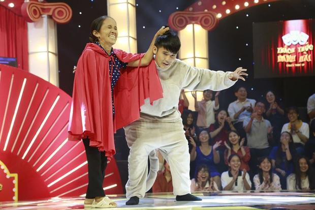 """Jack & K-ICM, bà Tân Vlog, Quỳnh Trần JP... Hiện tượng mạng gây ấn tượng khi """"đổ bộ"""" show giải trí năm 2019 - Ảnh 4."""