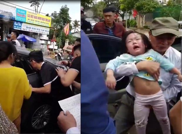 Hy hữu ngày Tết: Người dân phá cửa cứu 2 bé bị mắc kẹt trong ô tô do… bố quên chìa khóa - Ảnh 1.