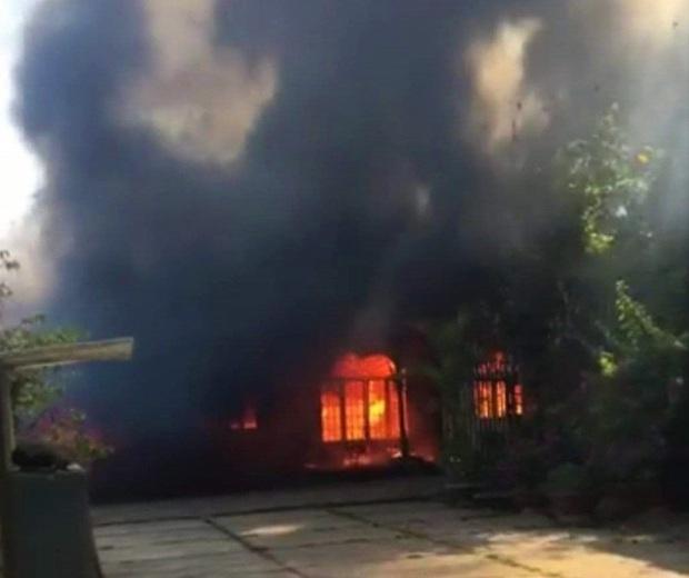 Lâm Đồng: Cháy lớn ngày 29 Tết ở cơ sở Bảo trợ xã hội thiêu rụi toàn bộ quần áo và nhu yếu phẩm tết cho trẻ mồ côi, khuyết tật - Ảnh 1.