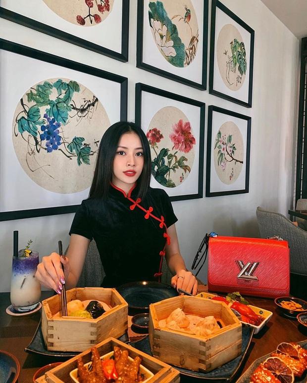 Ai chê đỏ, hồng lòe loẹt sến sẩm chứ bạn cứ theo 10 set đồ sau của sao Việt là chỉ có chanh sả trở lên, diện đi giao thừa là bao đẹp - Ảnh 3.