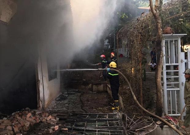 Lâm Đồng: Cháy lớn ngày 29 Tết ở cơ sở Bảo trợ xã hội thiêu rụi toàn bộ quần áo và nhu yếu phẩm tết cho trẻ mồ côi, khuyết tật - Ảnh 2.