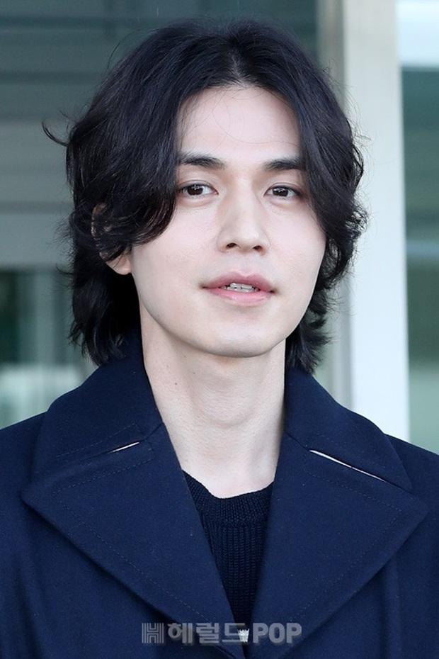 Lee Dong Wook sở hữu gen của người Siberia, hiếm tới mức chỉ 1% người Hàn có được bảo sao đẹp đến vậy - Ảnh 9.