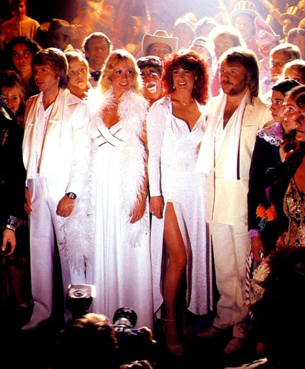 Nhóm nhạc ABBA - chủ nhân Happy New Year bất hủ: Từng suýt có tên là Alibaba, khiến Madonna tự viết thư cầu xin sample nhạc và lời đồn xích mích - Ảnh 6.