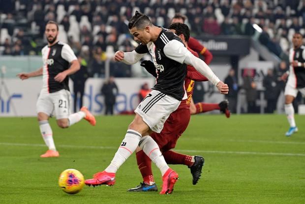 Ronaldo ghi bàn thứ 7 cho Juventus sau 4 trận, fan tặc lưỡi: Cầu thủ vĩ đại nhất lịch sử là đây chứ đâu! - Ảnh 2.