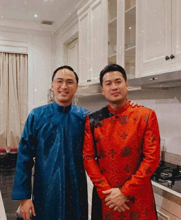 Tiệc tất niên tối 29 Tết trong biệt thự nhà Hà Tăng: Kathy Uyên, Phương Khánh bận áo dài, Băng Di sánh đôi bên bạn trai đại gia - Ảnh 6.