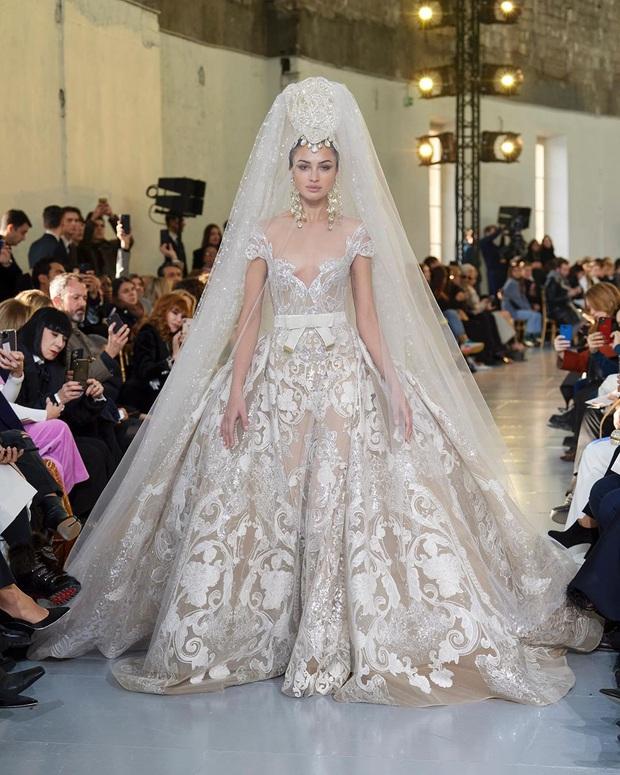 Vương giả, lộng lẫy choáng ngợp, đây chính là chiếc váy khiến hội chị em xuýt xoa: Váy cưới trong mơ của Mị đây rồi! - Ảnh 3.