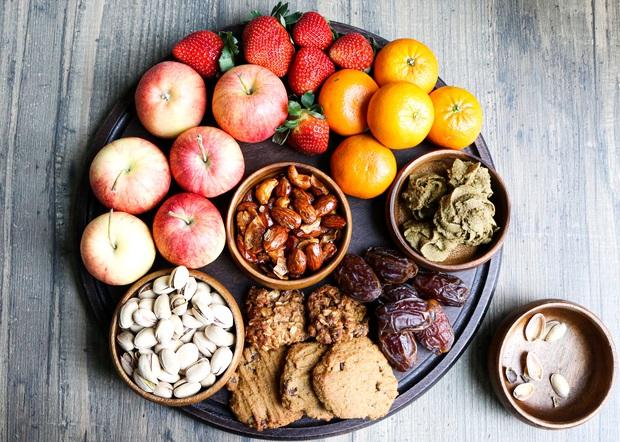 Chuyên gia tư vấn dinh dưỡng Emma Phạm gợi ý 10 mâm hoa quả, bánh kẹo ăn Tết vừa healthy vừa bổ dưỡng - Ảnh 11.