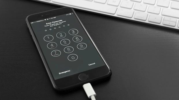 FBI có thể tự mình bẻ khóa iPhone 11, nhưng sao họ vẫn yêu cầu Apple táy máy hộ trên iPhone? - Ảnh 3.