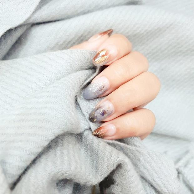 Chị em nô nức vào khoe bộ nail chơi Tết: Người làm đơn giản chỉ vài chục, người sương sương bộ móng hơn 700k - Ảnh 8.