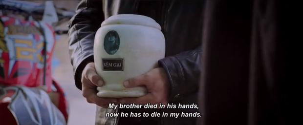 Chị Mười Ba tung trailer cực căng sáng mùng 1: Kẽm Gai vừa hôn Châu Bùi hai phát đã hoá hũ cốt trên tay trùm Kiều Minh Tuấn - Ảnh 8.