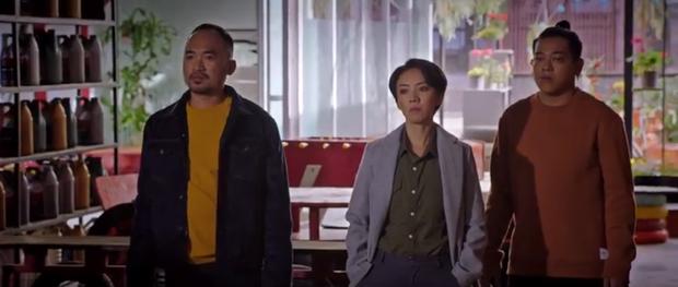 Chị Mười Ba tung trailer cực căng sáng mùng 1: Kẽm Gai vừa hôn Châu Bùi hai phát đã hoá hũ cốt trên tay trùm Kiều Minh Tuấn - Ảnh 9.