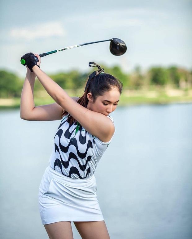 Chiêm ngưỡng nhan sắc hút hồn của nữ golf thủ quyến rũ nhất thế giới: Body chuẩn như người mẫu, một giây lên hình cũng khiến fan náo loạn - Ảnh 2.