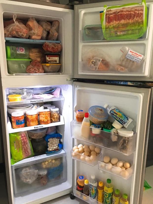 Khoe tủ lạnh ngày Tết nhà chúng mày đi nào: chỉ chờ có thế là hàng trăm chiếc tủ lạnh chật cứng được show ra! - Ảnh 5.