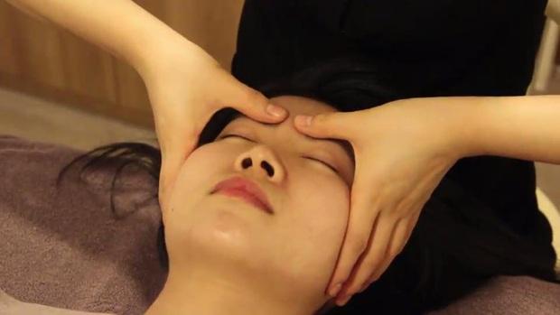 Yoona ngày càng mặc đẹp hơn trước, hoá ra vì chân vòng kiềng nay đã hóa thẳng nhờ biện pháp đặc biệt - Ảnh 6.