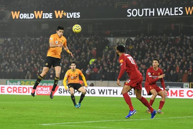 Xé lưới Wolves ở những phút cuối cùng, Firmino giúp Liverpool giữ vững ngôi đầu bảng Ngoại hạng Anh - Ảnh 5.