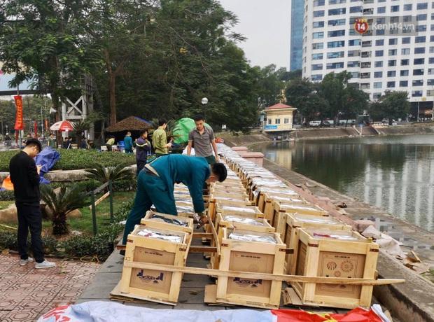 Các trận địa pháo hoa tầm thấp và tầm cao tại Hà Nội đang hối hả thực hiện - Ảnh 7.