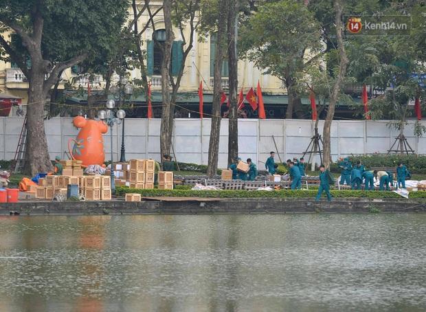 Các trận địa pháo hoa tầm thấp và tầm cao tại Hà Nội đang hối hả thực hiện - Ảnh 10.