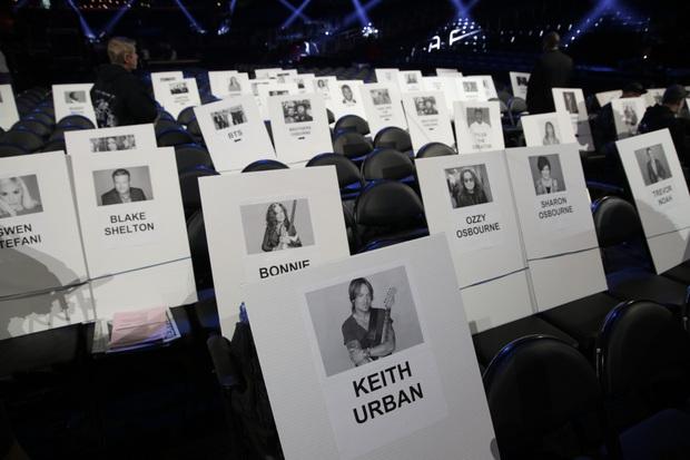 Taylor Swift ngồi cạnh BTS ở vị trí đẹp, Ariana Grande lại bị thất sủng tại Grammy 2020 khi nhìn vào sơ đồ vị trí chỗ ngồi? - Ảnh 6.