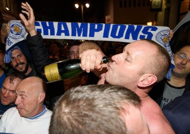 Đã có một thời, cầu thủ là những con sâu rượu và trước trận đấu bắt buộc phải say - Ảnh 4.