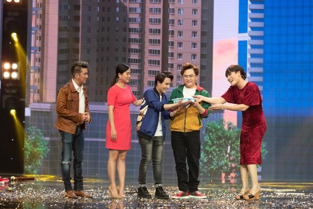 Táo Xuân 2020: Cẩm Ly cosplay Bà Tân, bé Sa - Á hậu Kiều Loan hóa rapper Tiên Vâu - Ảnh 7.