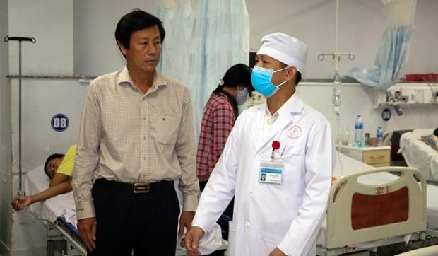 Nhiều tỉnh thành họp khẩn chống bệnh viêm phổi do virus Corona - Ảnh 2.