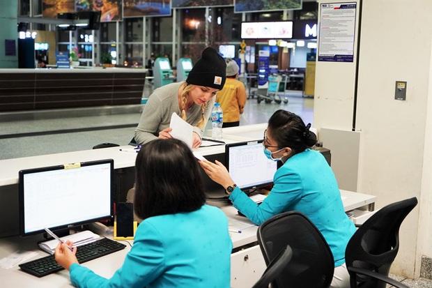 Miễn phí hoàn vé máy bay cho hành khách đến và đi Trung Quốc trong thời điểm dịch Corona - Ảnh 1.