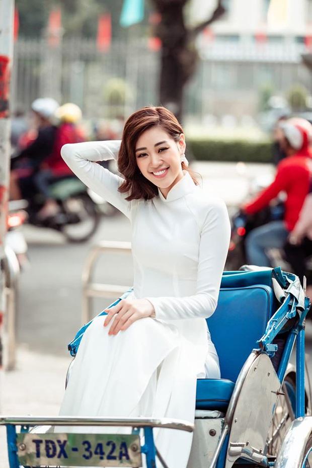 Cùng với các người đẹp Việt, dàn hậu cung VTV cũng khoe sắc trong những tà áo dài duyên dáng đón Xuân về - Ảnh 11.