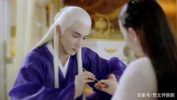 Tình tứ làm nail cho Địch Lệ Nhiệt Ba, Cao Vỹ Quang biến mình thành trò tấu hài cho khán giả Chẩm Thượng Thư - Ảnh 4.