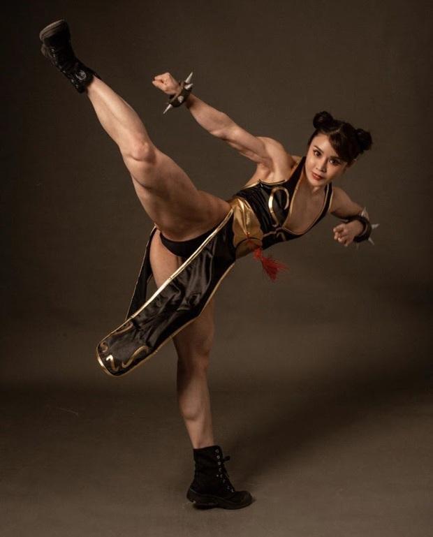 Xịt máu mũi với nữ thần tượng hóa thân thành Chun-Li trong game Street Fighter cực chất! - Ảnh 8.