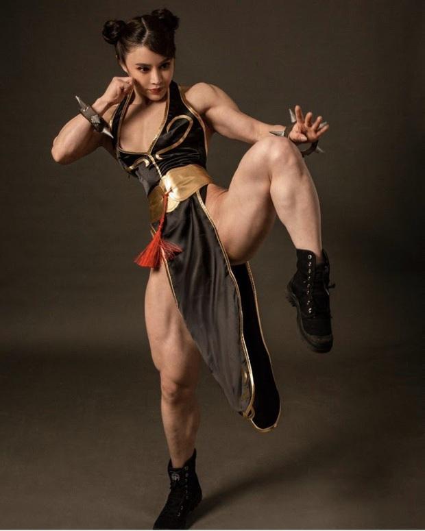 Xịt máu mũi với nữ thần tượng hóa thân thành Chun-Li trong game Street Fighter cực chất! - Ảnh 9.