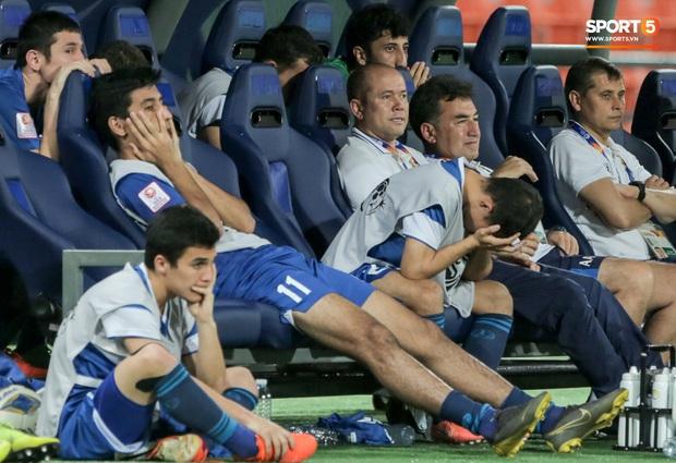 Tuột HCĐ U23 châu Á 2020, đương kim vô địch Uzbekistan càng đau đớn khi đã mất luôn tấm vé cuối cùng đến ngày hội thể thao lớn nhất hành tinh - Ảnh 7.