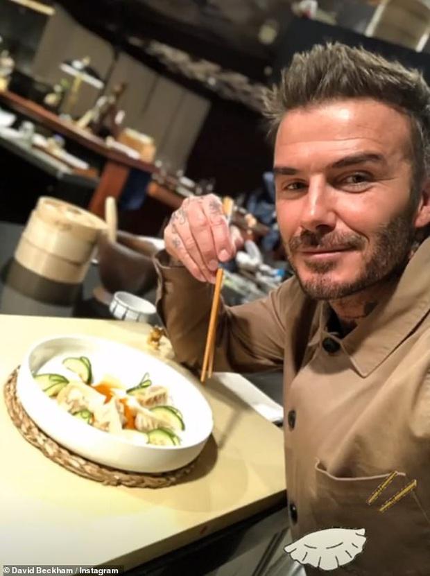 David Beckham bất ngờ vào bếp làm sủi cảo để chúc mừng Tết Nguyên Đán: Chiều fan châu Á đến thế là cùng! - Ảnh 3.