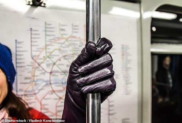 Làm sao để đi du lịch Tết an toàn khi virus Corona đang hoành hành: Rửa tay mới thực sự là cách tốt nhất để ngăn chặn sự lây nhiễm, chuyên gia khuyến cáo - Ảnh 6.